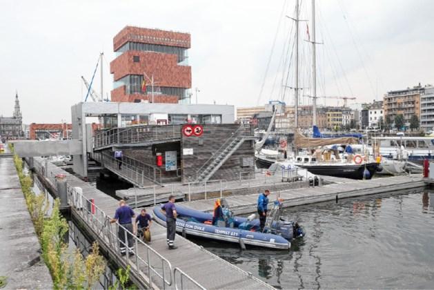 Lichaam vermiste Portugees (40) aangetroffen in dok aan MAS