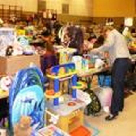 Zondag kleding- en speelgoedbeurs in zaal Beterveld