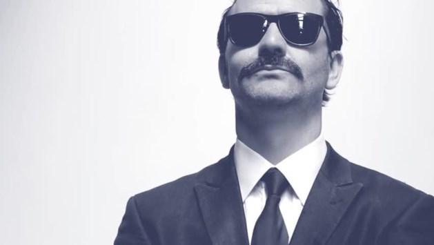 Laat je snor sponsoren tijdens Movember