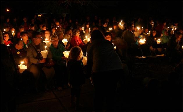 Indrukwekkende kaarsenceremonie tijdens Levensloop