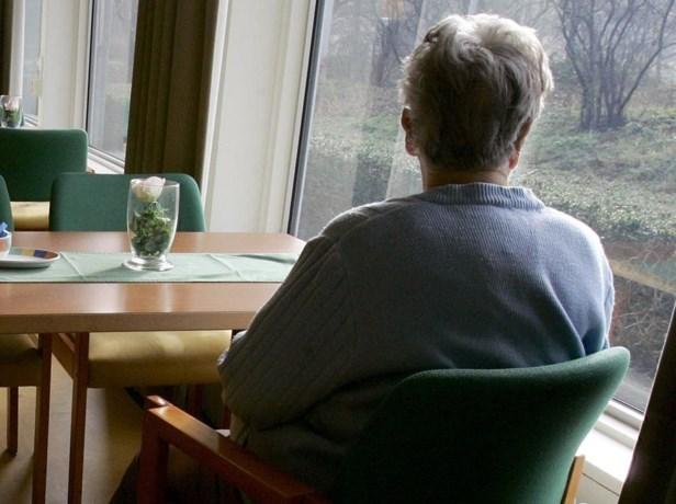 Tiener (14) verblijdt eenzame ouderen met brievenwebsite
