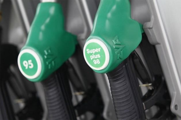 Benzineprijs daalt naar laagste peil in meer dan drie jaar