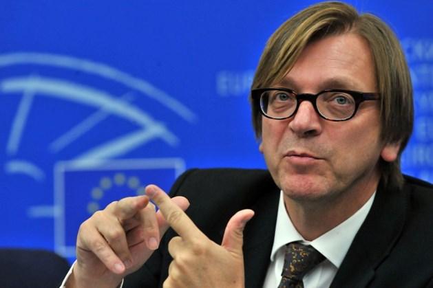 15.000 euro per maand extra voor Verhofstadt