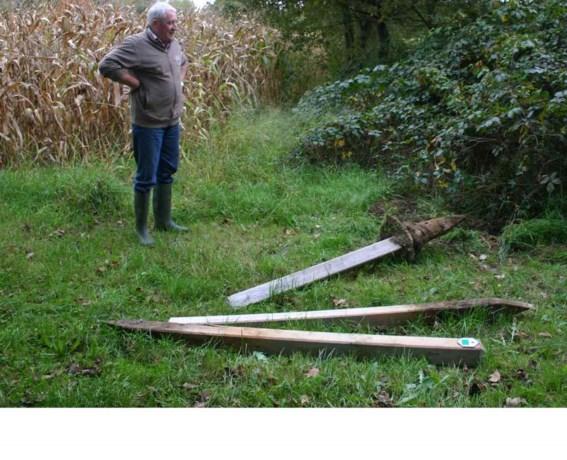 'Jagers sluiten buurtwegen af, rukken paaltjes los en schieten erop los'