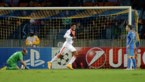 Luiz Adriano vormt voortaan met Messi 'club van vijf'