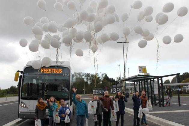 Busstation officieel geopend door kindergemeenteraad