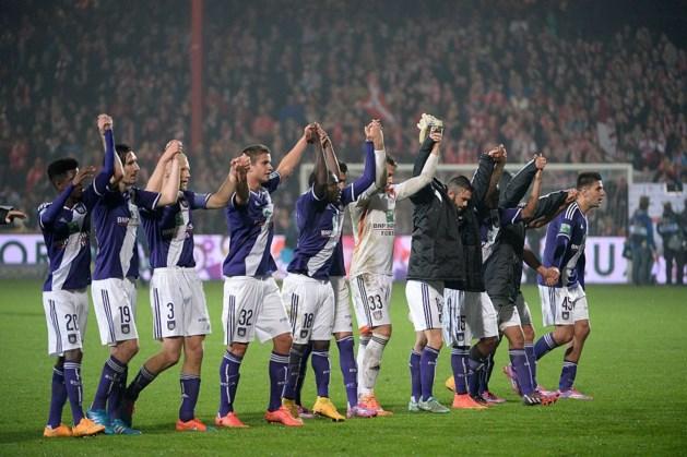 Anderlecht nipt de betere na knotsgekke match in Kortrijk