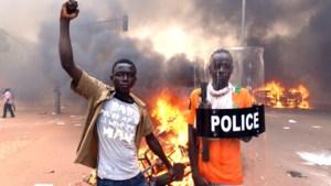 President Burkina Faso neemt geen ontslag maar heft noodtoestand op