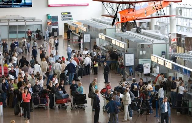 'Op 15 december leggen we luchthaven helemaal plat'
