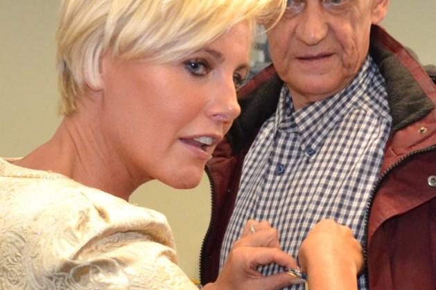Dana Winner: 'En toen ontdekte ik een knobbeltje in m'n borst...'