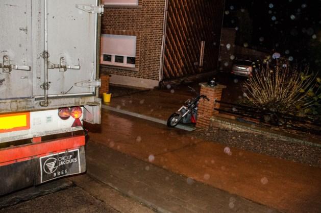 Bromfietser in levensgevaar na ongeval in Kortenaken