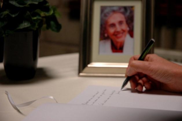 Neerpelt opent rouwregister voor koningin Fabiola