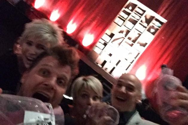 Limburgse BV's verzamelen voor knotsgekke selfie