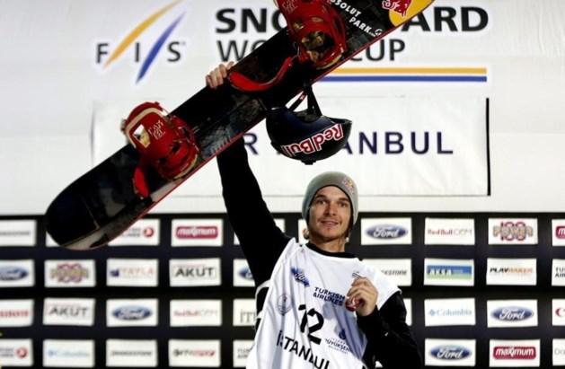 Seppe Smits wint Big Air-competitie op eerste manche WB snowboarden