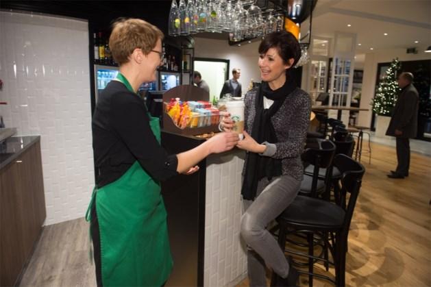 Starbucks opent koffiehoek in Holiday Inn