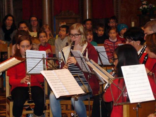 Jeugdharmonie geeft kerstconcert voor Heerse basisscholen