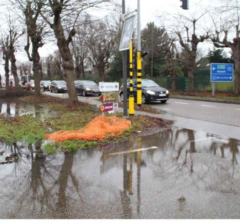 Waterlek zet inrit Carrefour tijdlang blank