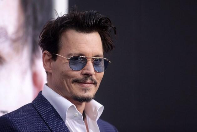 Johnny Depp probeert alcohol af te zweren