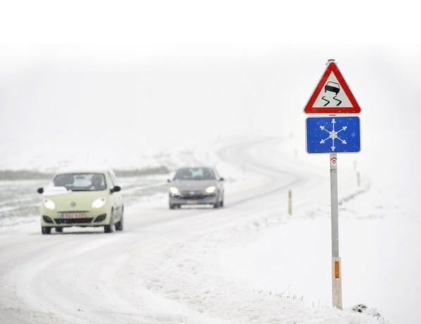 Verkeershinder in Limburg en Antwerpen door sneeuwval