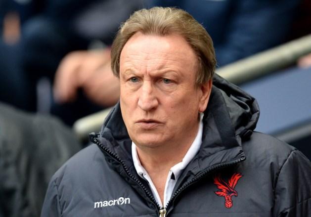 Crystal Palace zet coach Neil Warnock op straat