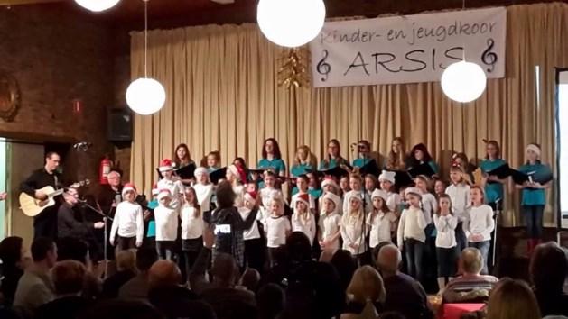 Kerstgezelligheid troef bij sprankelend ARSIS-concert