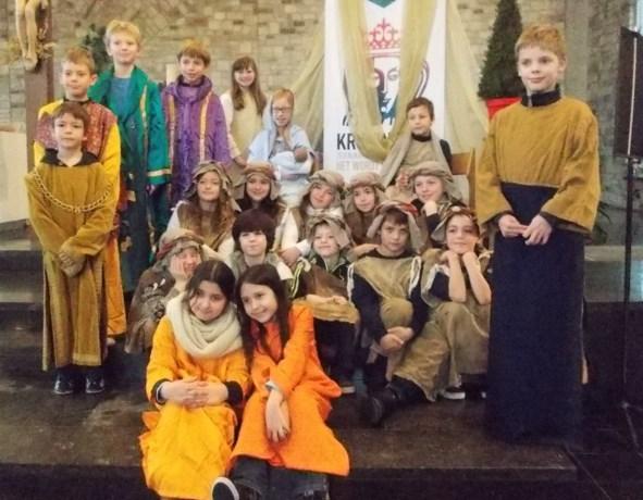 Basisschool Picpussen brengt Kerstmis bij de mensen