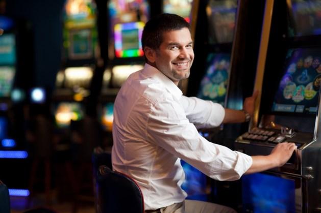 Twintiger steekt 60 cent in gokautomaat en wint half miljoen