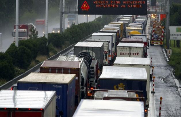 Buitenlandse vrachtwagens veel te weinig gecontroleerd op fraude en overtredingen in België
