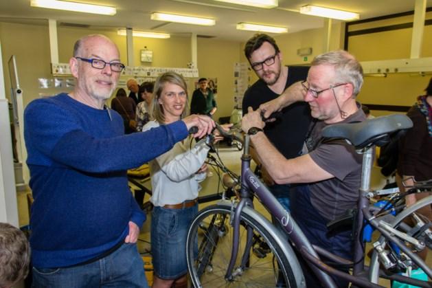Vrijwilligers openen Repair Café in lokalen oud Sint-Anna ziekenhuis