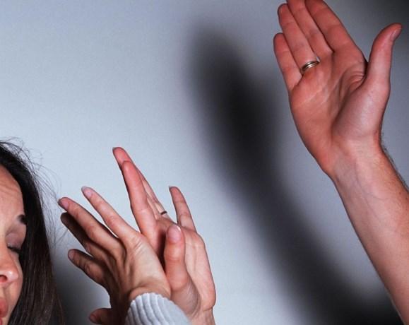 Hasselaar (42) vrijgesproken van partnergeweld na vordering van 10 maanden cel