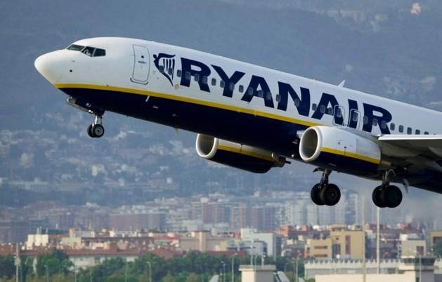 Ryanair is het beu: 'Stop met zuipen op onze vluchten!'