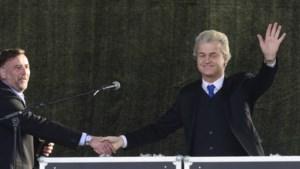 Geert Wilders spreekt Pegida in Dresden toe
