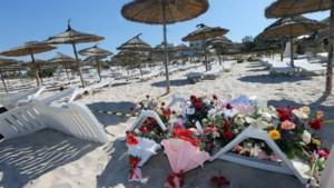 Jongen (16), geraakt door kogel die oom door hoofd schoot, redt nog vrouw in bloedbad Tunesië