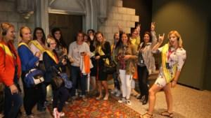 IN BEELD: Miss Limburg-kandidates trekken samen naar Brugge