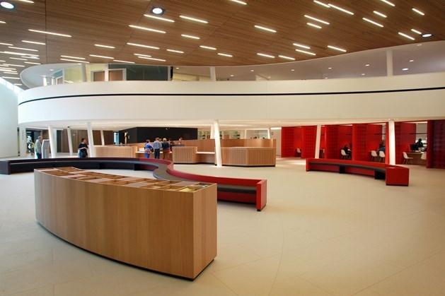 Topambtenaren verliezen derde van loon na klacht