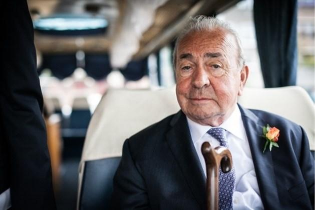 Busbouwer Van Hool plots overleden