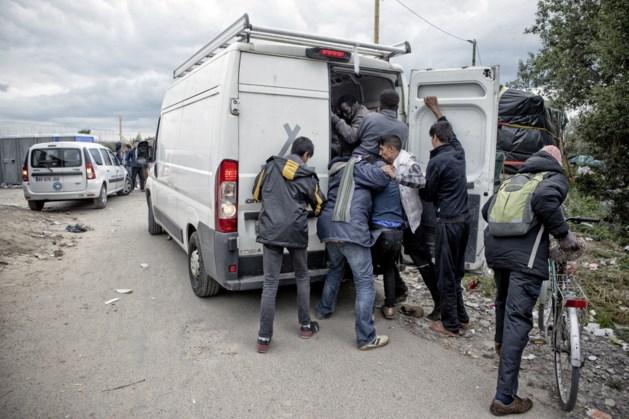 Lierenaar verdedigt gezin met koevoet tijdens hulpactie in Calais