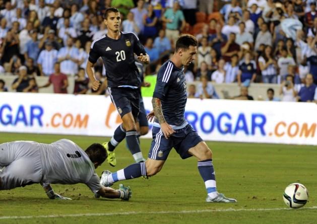 Argentinië, met invaller Messi, vernedert Bolivië in oefenduel