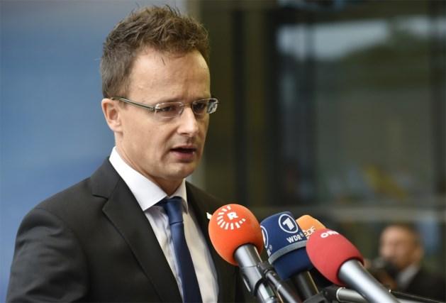 Hongarije houdt EU en 'agressieve vluchtelingen' verantwoordelijk voor noodsituatie