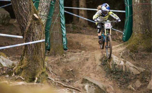 Loïc Bruni en Rachel Atherton zegevieren in afdaling op WK mountainbike