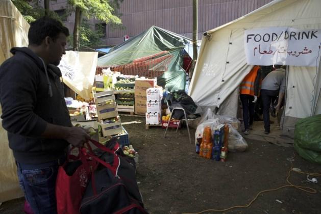 Burgers nemen opvang vluchtelingen Maximiliaanpark in eigen handen