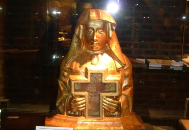 Zelem verwelkomt na vele eeuwen weer haar patrones: de Heilige Adela!