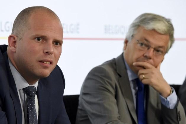 Reynders: 'Echt onhandig van Francken'
