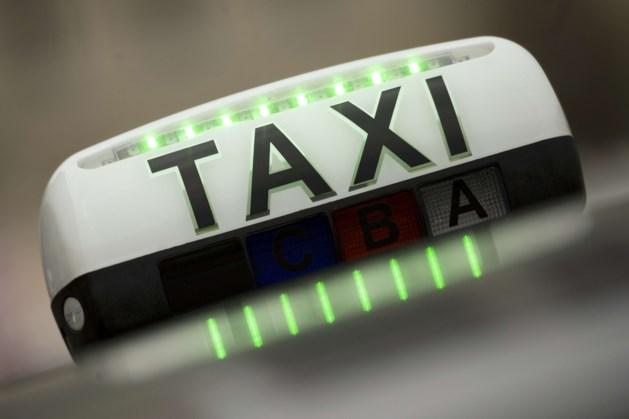 Tommelein: 'Uber-chauffeurs zijn zelfstandigen volgens analyse RSZ'
