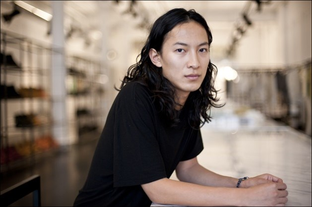 Alexander Wang neemt fles watermerk onder handen