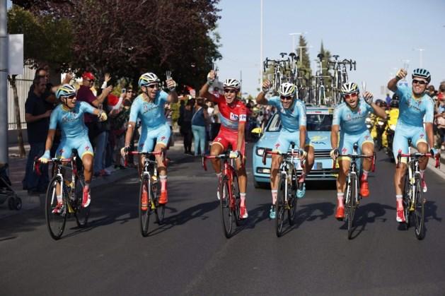 Astana beloont drie knechten van Aru