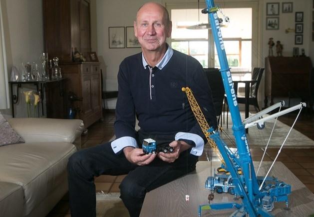 Zonhovenaar verzamelt modelbouwkranen sinds... zwaar ongeval met kraan