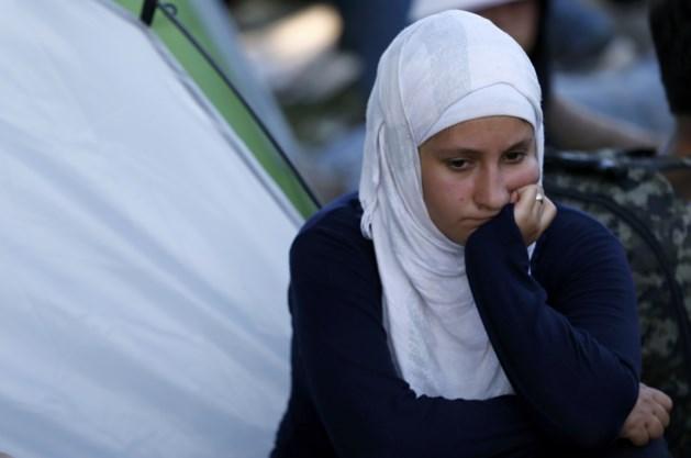 Kroatië brengt vluchtelingen met bussen naar Hongaarse grens