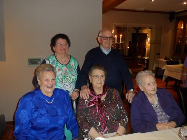 80-jarige Madeleine viert feest