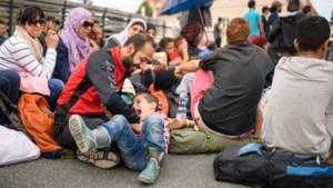 Duizenden vluchtelingen gestrand in Oost-Europa